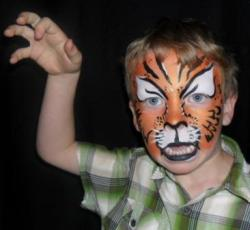Post image for Book a Combo! – Face Painter and Balloon Twister